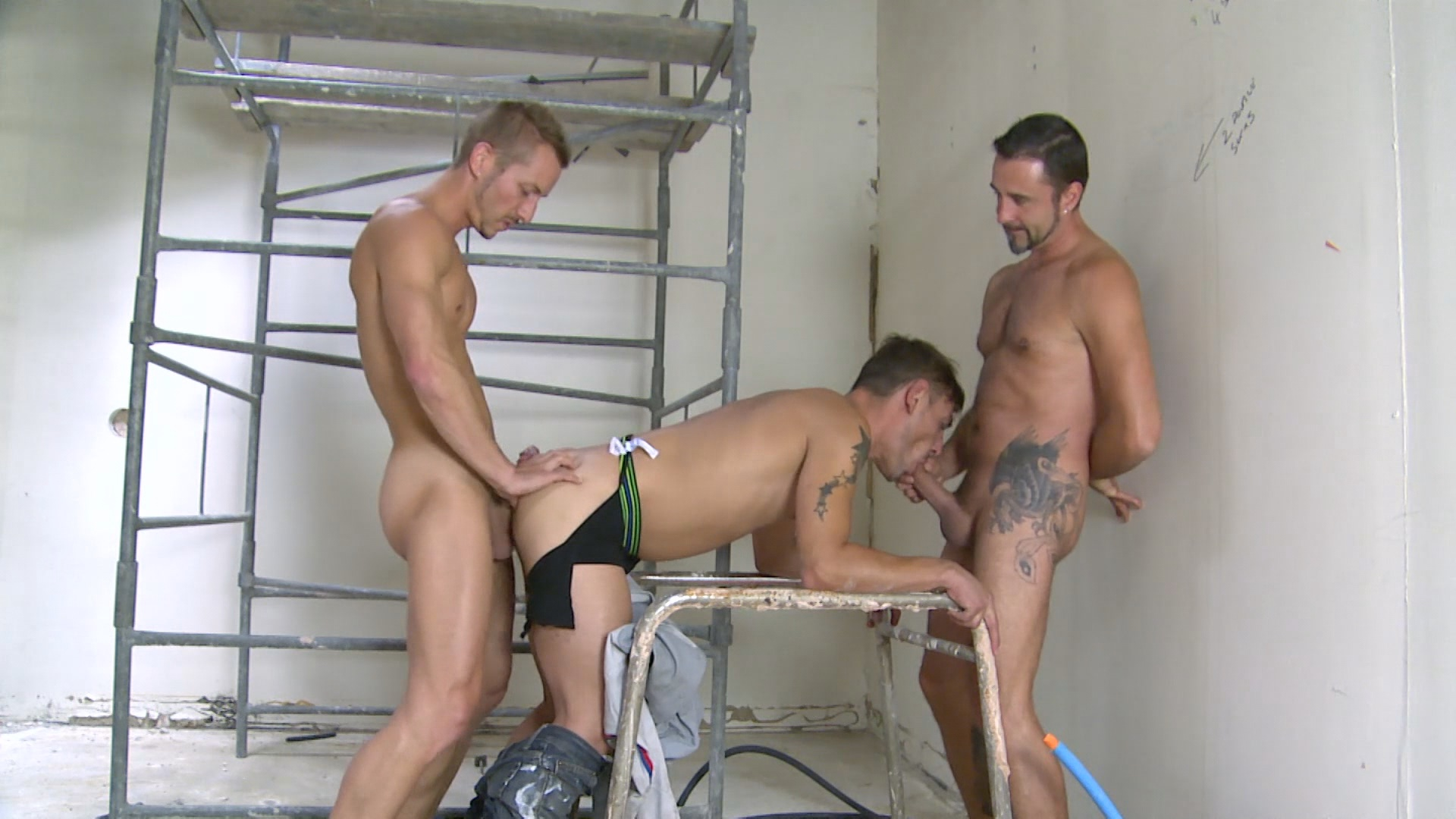 Uk Naked Men Presents Up The French
